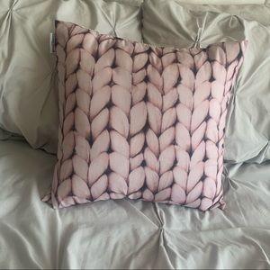 Throw Pillow / Accent pillow